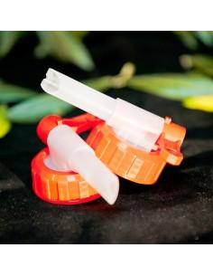 Bouchon bec verseur adaptable aux bidons de 2 et 5 litres